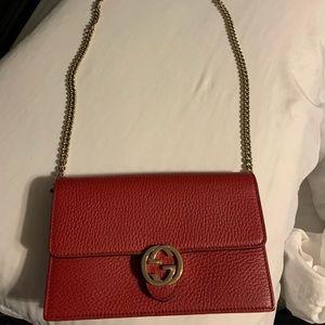 Gucci interlock wallet on chain